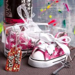 OH-SO-CUTE PINK OR BLUE STAR PRINT BABY SNEAKER KEY CHAIN